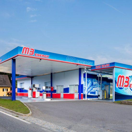 Tankstelle mit Waschstraße