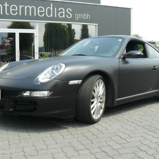 Porsche mattschwarzer Vollfolierung